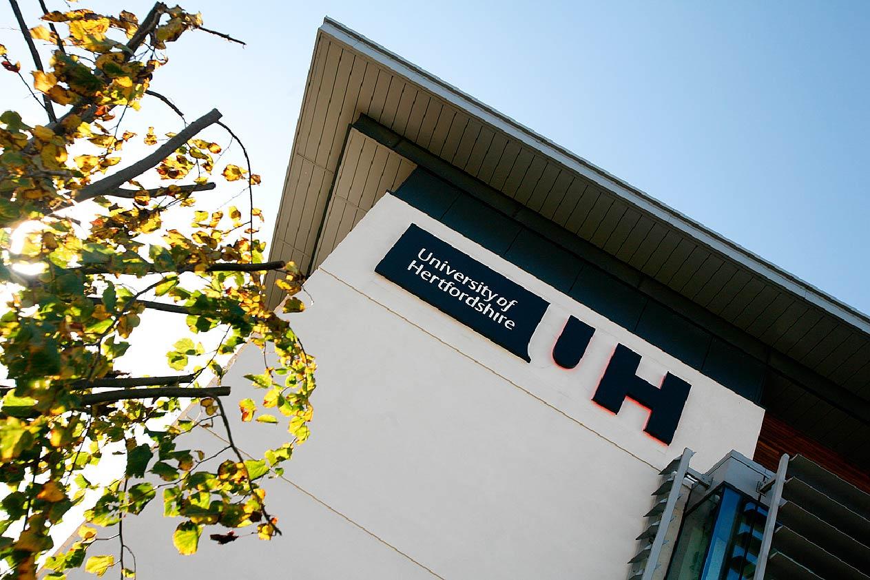 Reino Unido: Becas Para Pregrado y Maestría en Diversos Temas University of Hertfordshire