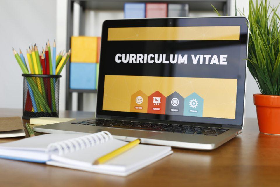 Cómo Hacer Un Currículum: Marca La Diferencia