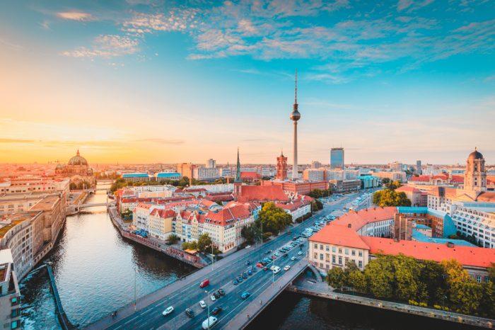 Alemania: Becas Para Pregrado y Posgrado en Cualquier curso de asignaturas ofrecido por la universidad RWTH Aachen University