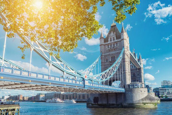 Reino Unido: Becas Para Posgrado en Cualquier curso de asignaturas ofrecido por la universidad University of Exeter